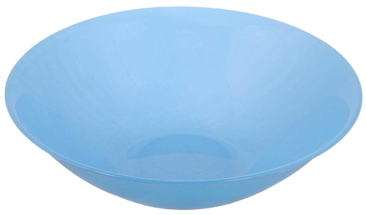 Миска Luminarc Arty Azur, цвет: голубой, диаметр 16,5 смH8739Миска Luminarc Arty Azur, изготовленная из высококачественного стекла, прекрасно впишется в интерьер вашей кухни и станет достойным дополнением к кухонному инвентарю. Миска оформлена в классическом стиле и имеет изысканный внешний вид. Такая миска не только украсит ваш кухонный стол и подчеркнет прекрасный вкус хозяйки, но и станет отличным подарком. Диаметр (по верхнему краю): 16,5 см. Высота стенки: 4,5 см.