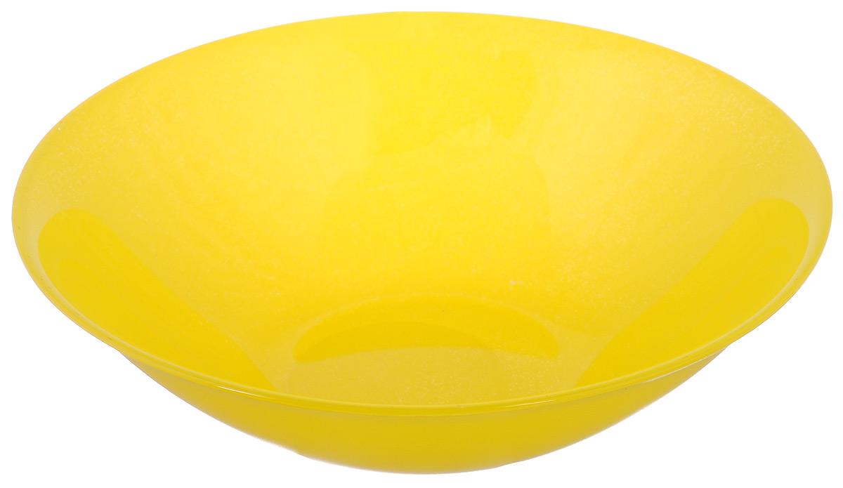 Миска Luminarc Arty, цвет: желтый, диаметр 16,5 смH8767Миска Luminarc Arty, изготовленная из высококачественного стекла, прекрасно впишется в интерьер вашей кухни и станет достойным дополнением к кухонному инвентарю. Миска оформлена в классическом стиле и имеет изысканный внешний вид. Такая миска не только украсит ваш кухонный стол и подчеркнет прекрасный вкус хозяйки, но и станет отличным подарком. Диаметр (по верхнему краю): 16,5 см. Высота стенки: 4,5 см.