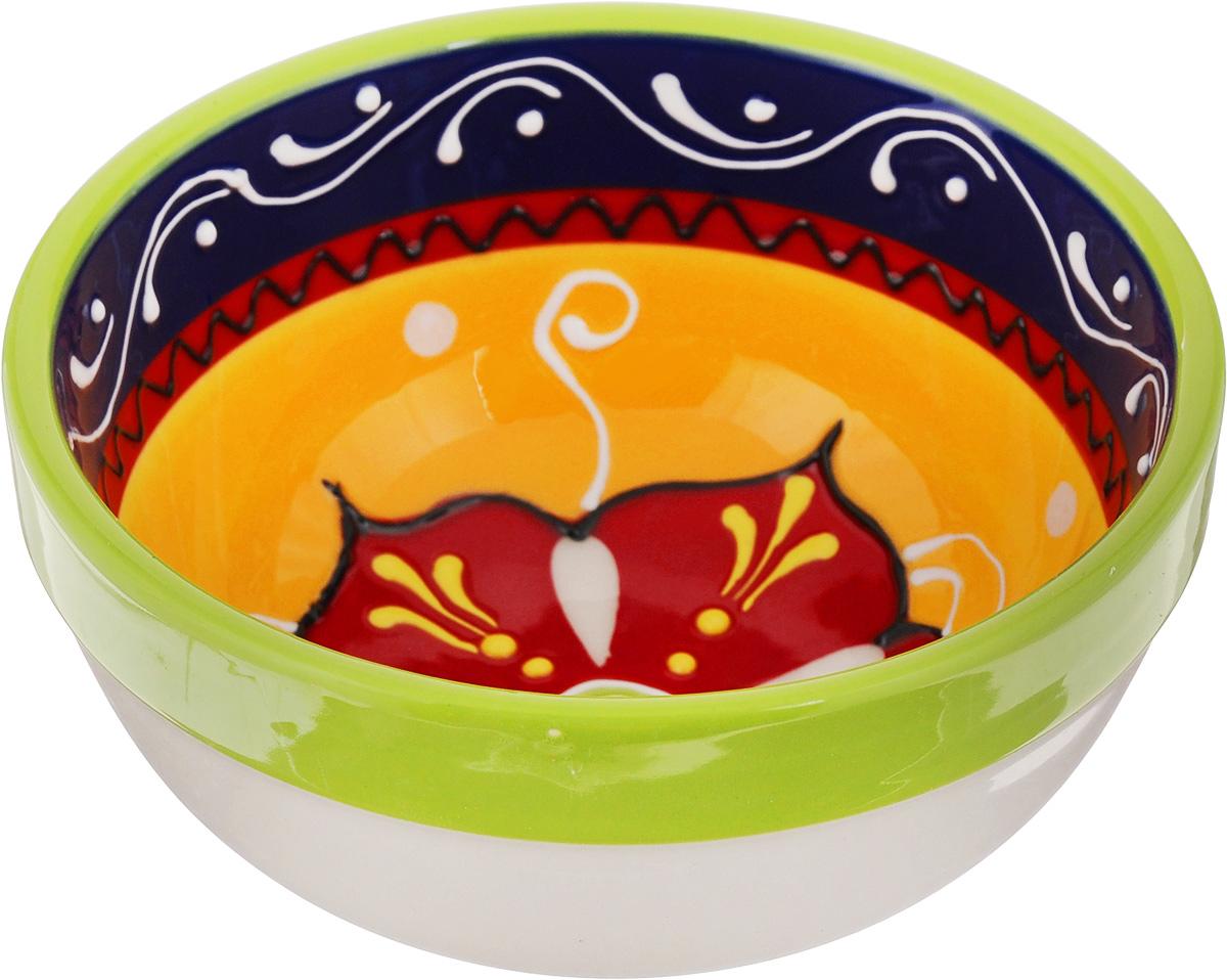 Салатник Elan Gallery Солнечный цветок, 320 мл450023Великолепный круглый салатник Elan Gallery Солнечный цветок, изготовленный из высококачественной керамики, прекрасно подойдет для подачи различных блюд: закусок, салатов или фруктов. Такой салатник украсит ваш праздничный или обеденный стол, а оригинальное исполнение понравится любой хозяйке. Не рекомендуется применять абразивные моющие средства. Не использовать в микроволновой печи. Диаметр салатника (по верхнему краю): 12,5 см. Высота салатника: 6 см.