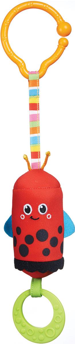 Tiny Love Игрушка-подвеска Божья коровка1111301110Игрушка-подвеска Tiny Love Божья коровка отвлечет от капризов и заинтересует веселым звоном. Малышам интересно узнавать все новое, играть в шуршащие игрушки, дергать их и пробовать на вкус. Подвеска божья коровка отвечает всем этим требованиям, ее можно закрепить к мобилю, кроватке, коляске или просто дать в руки малышу. В комплектацию игрушки входят крючок, божья коровка на шнурке, прорезыватель. Внутри текстильной божьей коровки спрятан колокольчик, а если дернуть за подвеску, раздастся приятный звон. Игрушки для новорожденных позволяют познавать окружающий мир, изучать яркие краски, слышать первые звуки. Подвеска от Tiny Love развивает в ребенке зрение, слух, чувствительность, воображение, координацию движений. Продукция сертифицирована, экологически безопасна для ребенка, использованные красители нетоксичны и гипоаллергенны.