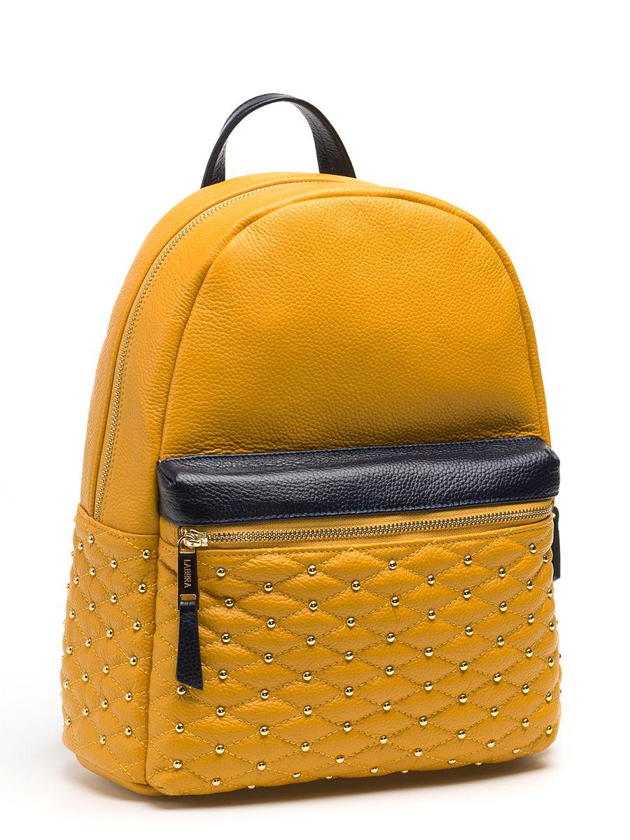 Рюкзак женский Labbra, цвет: желтый. L-SD1013L-SD1013Стильный женский рюкзак Labbra, выполненный из натуральной кожи с зернистой фактурой, оформлен декоративной строчкой и металлическими клепками. Изделие содержит одно основное отделение, закрывающееся на застежку-молнию. Внутри расположены два накладных кармана для мелочей, врезной карман на застежке-молнии и открытый карман для планшета с мягкой стенкой. Лицевая сторона изделия дополнена объемным карманом на застежке-молнии. Рюкзак оснащен удобными лямками регулируемой длины и петлей для подвешивания. В комплекте с изделием поставляется фирменный чехол для хранения. Практичный и стильный аксессуар позволит вам завершить свой образ и быть неотразимой.