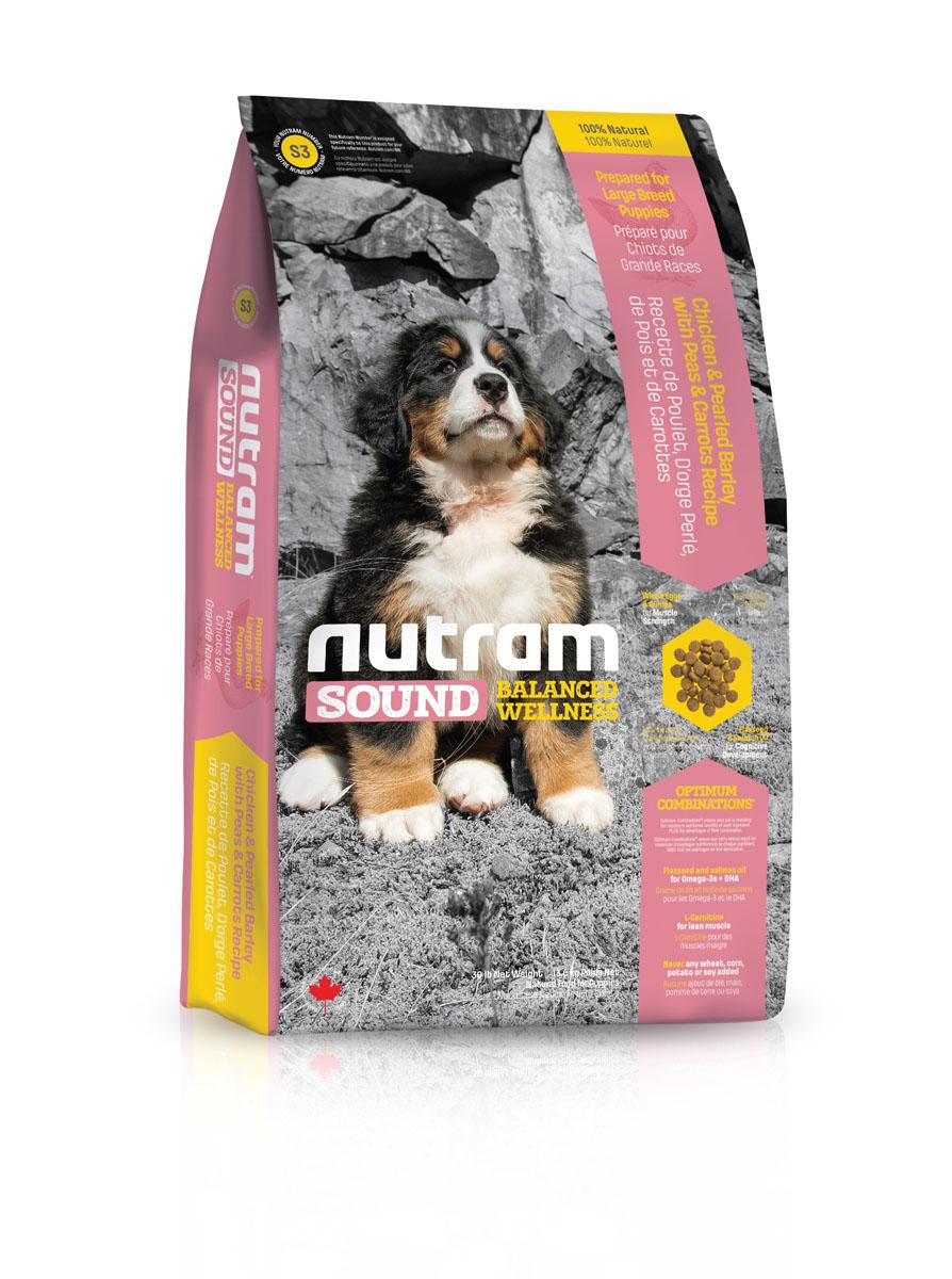 Сухой корм для щенков крупных пород S3 Nutram Sound Large Breed Puppy - 13.6 КГ83096Обеспечивает полноценное и сбалансированное питание для растущих щенков крупных пород, достигающих веса 28 кг и более во взрослом состоянии. Оптимальное развитие тканей растущих щенков обеспечивается сбалансированным аминокислотным составом корма, витаминами и минералами, включенными в его состав. Для щенков крупных пород особенно важно соотношение в корме кальция и фосфора. Правильный баланс этих элементов понижает вероятность появления проблем с опорно-двигательным аппаратом, профилактирует развитие таких заболеваний, как дисплазия тазобедренного сустава. Рыбий жир (источник ДГК – докозагексаеновой кислоты) способствует правильному развитию головного мозга и глаз. Исследования показали, что щенки получающие ДГК в рационе, лучше дрессируются и становятся более понятливыми.