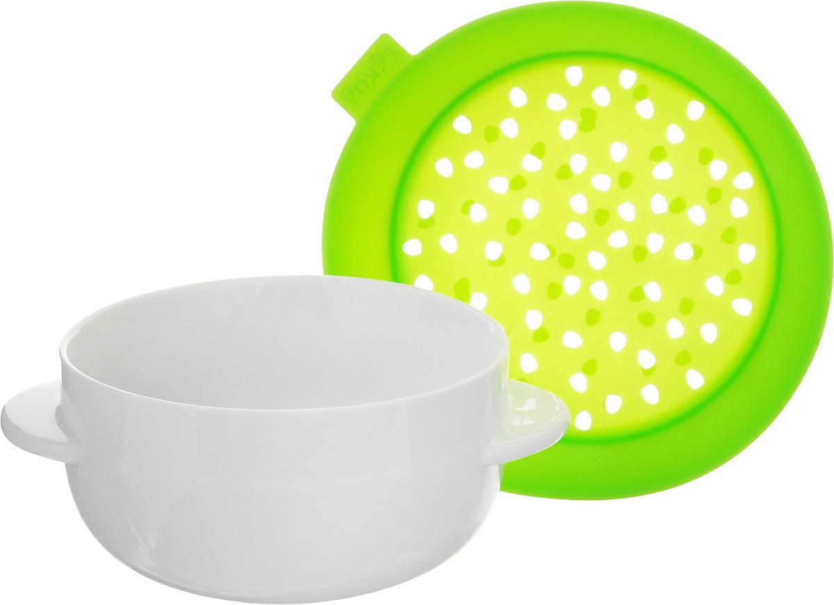 Форма для приготовления каши Lekue, цвет: салатовый, 0,6л + держатель для чайного пакета Lekue0200711V06M017Форма Lekue предназначена для приготовления каши. Кашеварка выполнена из двух частей: нижняя емкость из жаростойкой керамики, верхняя - крышка-дуршлаг - из силикона. Изделие просто в использовании - положите ингредиенты в керамическую чашу и поставьте в микроволновую печь на несколько минут. Сделайте свой завтрак красивым, быстрым и волшебным! В изделию прилагается силиконовый держатель для чайного пакетика. Объем чаши: 0,6 л. Размеры чаши (с учетом ручек): 17 х 13 х 7,5 см. Размеры держателя для чайного пакетика: 4,5 х 7,5 х 1 см.