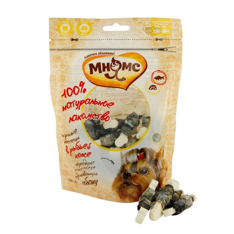 Лакомство для собак Мнямс сырные косточки в рыбьей коже 100 г701832Сырные косточки Мнямс - это оригинальное лакомство в ароматной рыбьей коже. Благодаря своей структуре они способствует снятию зубного камня. Вкусное и здоровое угощение идеально подходит в качестве поощрения для игр и тренировок.Белок ? 15% Жир ? 4% Клетчатка ? 1,5% Зола ? 5% Влажность ?18%Прежелированный крахмал 51,8%, рисовая мука 25%, рыбья кожа 15%, сыр 8%, пропионат кальция 0,2%.Не является основным кормом. При кормлении необходимо учитывать возраст и активность животного. Свежая вода всегда должна быть доступна вашему питомцу. Менее 5 кг - 1-2 косточки 5-10 кг - 2-3 косточки 10-20 кг - 3-4 косточки 20-40 кг - 4-5 косточек Более 40 кг - 5-6 косточек.