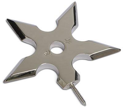 Крючок Эврика Ниндзя97103Оригинальный металлический хромированный полированный крючок для одежды в виде оружия Ниндзя. Ввинчивается в стену винтовым штырем. Размеры изделия: 10 х 10 х 1 см.