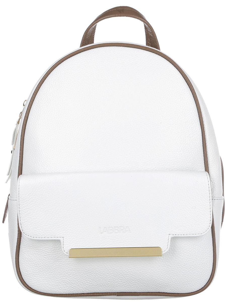 Рюкзак женский Labbra, цвет: белый, коричнево-бежевый. L-9915-2L-9915-2Стильный женский рюкзак Labbra выполнен из натуральной кожи с зернистой фактурной, оформлен металлической фурнитурой с символикой бренда. Изделие содержит одно основное отделение, закрывающееся на металлическую застежку-молнию. Внутри расположены два накладных кармашка для мелочей и врезной карман на молнии. Лицевая сторона рюкзака дополнена прорезным карманом, который закрывается на клапан с магнитом, декорированный тиснением логотипа бренда и металлической пластиной. Спинка изделия дополнена небольшим врезным карманом на молнии. Рюкзак оснащен удобными плечевыми лямками регулируемой длины, а также ручкой для переноски в руке. Практичный аксессуар позволит вам завершить свой образ и быть неотразимой.