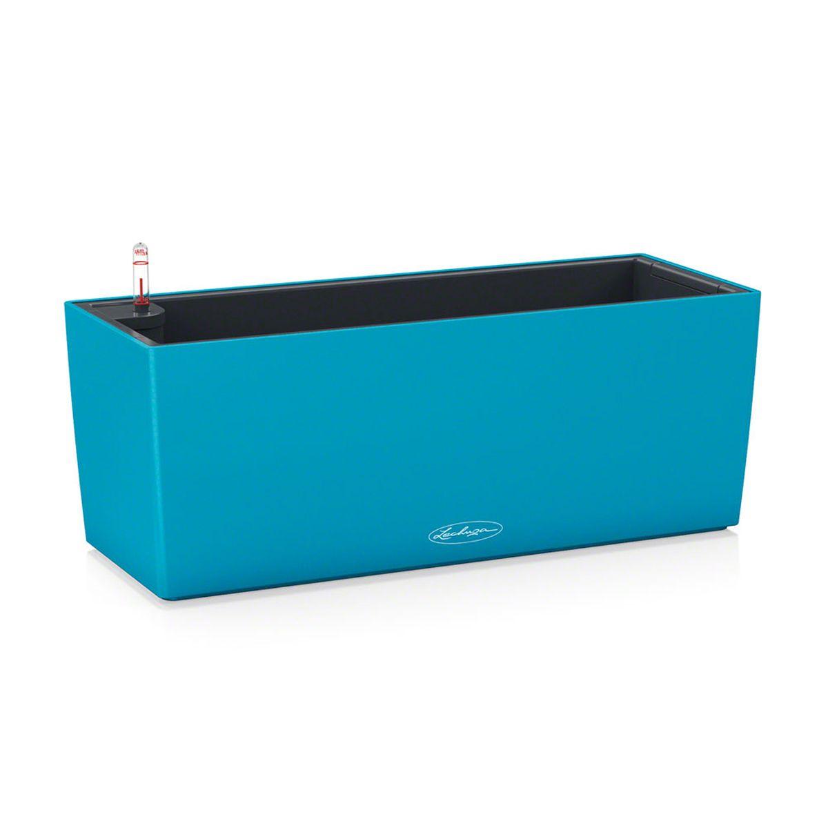 Кашпо Lechuza Balconera Color, с системой автополива, цвет: бирюзовый, 50 х 19 х 19 см15671Кашпо Lechuza Balconera Color, выполненное из высококачественного пластика, имеет уникальную систему автополива, благодаря которой корневая система растения непрерывно снабжается влагой из резервуара. Уровень воды в резервуаре контролируется с помощью специального индикатора. В зависимости от размера кашпо и растения воды хватает на 2-12 недель. Это способствует хорошему росту цветов и предотвращает переувлажнение. В набор входит: кашпо, внутренний горшок, индикатор уровня воды, резервуар для воды, балконный держатель. Кашпо Lechuza Balconera Color - превосходное решение для балкона. Оно прекрасно украсит любой интерьер, поможет расставить нужные акценты, а также придаст помещению вид, соответствующий вашим представлениям.