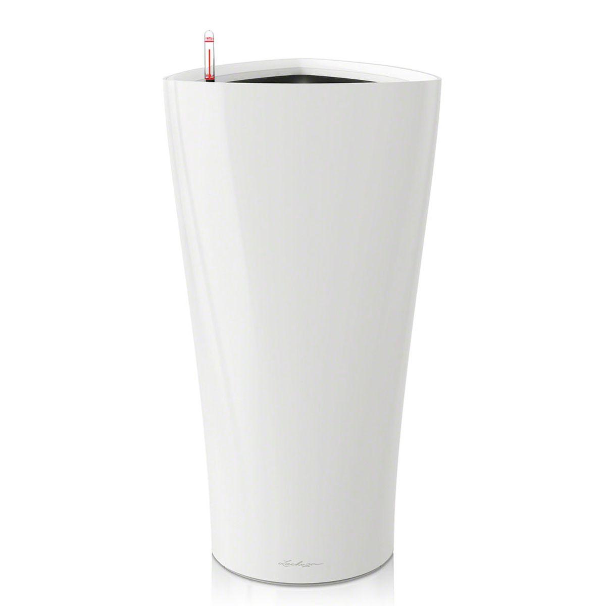 Кашпо Lechuza Delta, с системой автополива, цвет: белый, 40 х 40 х 75 см15540Кашпо Lechuza Delta, выполненное из высококачественного пластика, имеет уникальную систему автополива, благодаря которой корневая система растения непрерывно снабжается влагой из резервуара. Уровень воды в резервуаре контролируется с помощью специального индикатора. В зависимости от размера кашпо и растения воды хватает на 2-12 недель. Это способствует хорошему росту цветов и предотвращает переувлажнение. В набор входит: кашпо, внутренний горшок, индикатор уровня воды, резервуар для воды. Внутренний горшок, оснащенный выдвижными ручками, обеспечивает: - легкую переноску даже высоких растений; - легкую смену растений; - можно также просто убрать растения на зиму; - винт в днище позволяет стечь излишней дождевой воде наружу. Кашпо Lechuza Delta прекрасно впишется в интерьер больших холлов, террас ресторанов и уютных гостиных. Изделие поможет расставить нужные акценты и придаст помещению вид, соответствующий вашим...