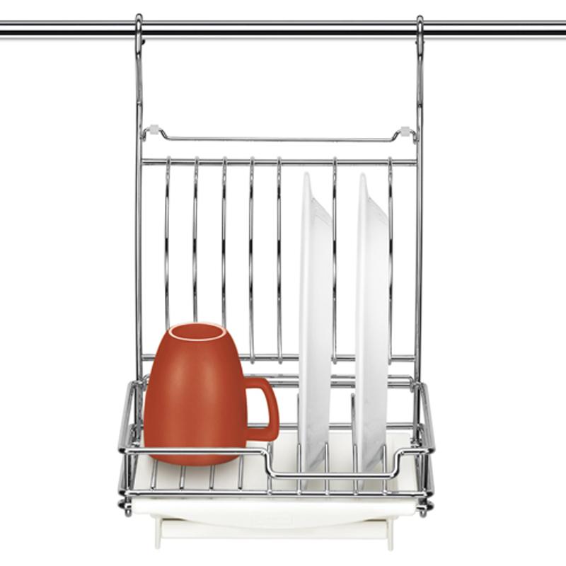 Сушилка для посуды Tescoma Monti, подвесная, 26 х 26 х 41 см900049Сушилка для посуды Tescoma Monti - это прекрасное решение для вашей кухни. Изделие выполнено из прочного металла с качественным хромированным покрытием. Съемный пластиковый поднос предназначен для стекания воды. Сушилка замечательна для сушки и хранения 8 тарелок или 4 тарелок и 2 чашек. Удобно складывается для экономии пространства. На подносе есть откидная полочка, которой можно пользоваться в закрытом положении сушилки. Сушилку можно подвесить на рейлинг или поставить на стол. Она стильно дополнит интерьер кухни и поможет компактно организовать пространство.