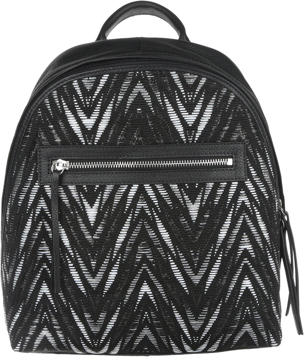 Рюкзак женский Pimo Betti, цвет: черный. 14390B4-W414390B4-W4Стильный женский рюкзак Pimo Betti выполнен из натуральной кожи и текстиля. Модель оформлена оригинальным узором. Изделие содержит одно основное отделение, закрывающееся на пластиковую застежку-молнию. Внутри расположены два накладных кармашка для мелочей и телефона и врезной карман на молнии. Лицевая сторона рюкзака дополнена прорезным карманом, который закрывается на металлическую застежку-молнию. Спинка изделия дополнена небольшим врезным карманом на молнии. Рюкзак оснащен удобными плечевыми лямками регулируемой длины, а также ручкой для переноски. Прилагается фирменный текстильный чехол для хранения. Практичный аксессуар позволит вам завершить свой образ и быть неотразимой.