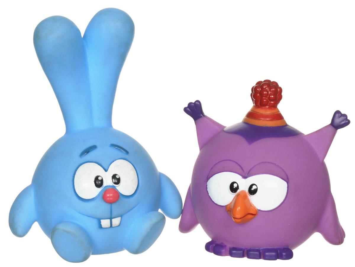 Смешарики Набор игрушек для ванной Крош и Совунья1170130_крош,совуньяНабор игрушек для ванной Крош и Совунья понравится вашему ребенку и развлечет его во время купания. Игрушки выполнены из безопасного материала в виде героев знаменитого мультсериала Смешарики. Размер игрушек идеален для маленьких ручек малыша. Если сжать игрушку во время купания в ванне, она начинает забавно брызгаться водой. Игрушки способствуют развитию воображения, цветового восприятия, тактильных ощущений и мелкой моторики рук.