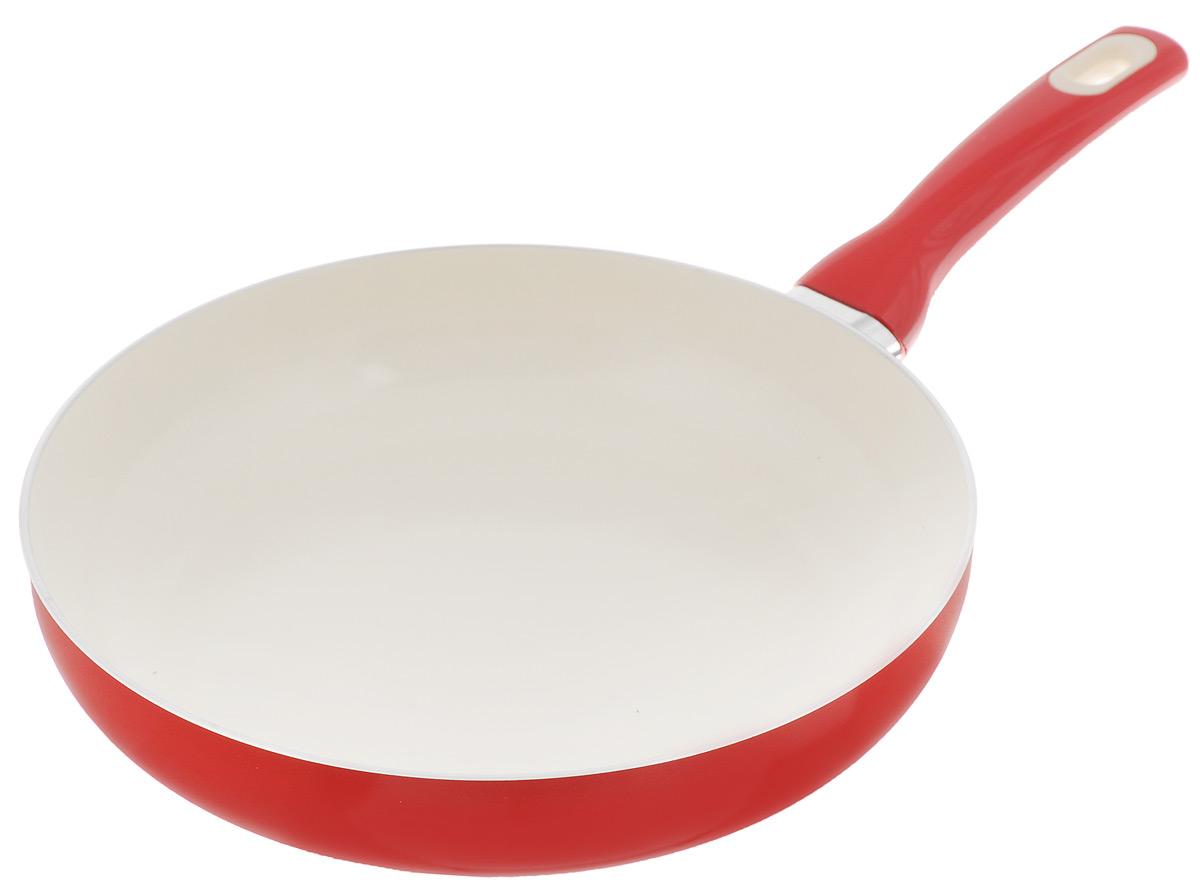 Сковорода Tescoma Fusion, с керамическим покрытием, цвет: красный. Диаметр 28 см602828_красныйСковорода Tescoma Fusion изготовлена из нержавеющей стали с высококачественным антипригарным керамическим покрытием. Керамика не содержит вредных примесей ПФОК, что способствует здоровому и экологичному приготовлению пищи. Кроме того, с таким покрытием пища не пригорает и не прилипает к стенкам, поэтому можно готовить с минимальным добавлением масла и жиров. Гладкая, идеально ровная поверхность сковороды легко чистится, ее можно мыть в воде руками или вытирать полотенцем. Эргономичная ручка специального дизайна выполнена из цветного пластика, удобна в эксплуатации. Можно мыть в посудомоечной машине. Сковорода подходит для использования на газовых, электрических, стеклокерамических и индукционных плитах. Диаметр: 28 см. Высота стенки: 6 см. Длина ручки: 18,5 см.