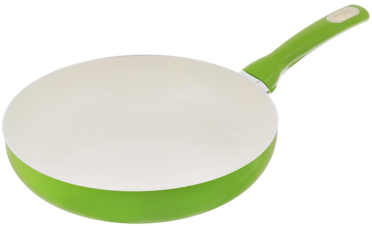 Сковорода Tescoma Fusion, с керамическим покрытием, цвет: салатовый. Диаметр 28 см602828_салатовыйСковорода Tescoma Fusion изготовлена из нержавеющей стали с высококачественным антипригарным керамическим покрытием. Керамика не содержит вредных примесей ПФОК, что способствует здоровому и экологичному приготовлению пищи. Кроме того, с таким покрытием пища не пригорает и не прилипает к стенкам, поэтому можно готовить с минимальным добавлением масла и жиров. Гладкая, идеально ровная поверхность сковороды легко чистится, ее можно мыть в воде руками или вытирать полотенцем. Эргономичная ручка специального дизайна выполнена из цветного пластика, удобна в эксплуатации. Можно мыть в посудомоечной машине. Сковорода подходит для использования на газовых, электрических, стеклокерамических и индукционных плитах. Диаметр: 28 см. Высота стенки: 6 см. Длина ручки: 18,5 см.