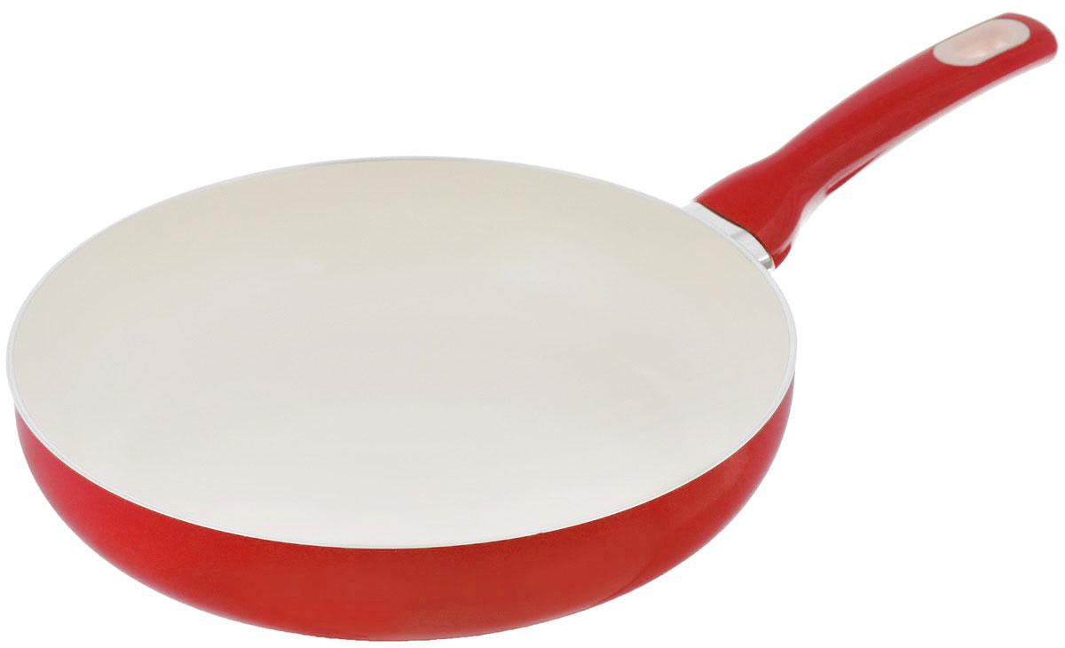 Сковорода Tescoma Fusion, с керамическим покрытием, цвет: красный. Диаметр 26 см602826_красныйСковорода Tescoma Fusion изготовлена из нержавеющей стали с высококачественным антипригарным керамическим покрытием. Керамика не содержит вредных примесей ПФОК, что способствует здоровому и экологичному приготовлению пищи. Кроме того, с таким покрытием пища не пригорает и не прилипает к стенкам, поэтому можно готовить с минимальным добавлением масла и жиров. Гладкая, идеально ровная поверхность сковороды легко чистится, ее можно мыть в воде руками или вытирать полотенцем. Эргономичная ручка специального дизайна выполнена из цветного пластика, удобна в эксплуатации. Можно мыть в посудомоечной машине. Сковорода подходит для использования на газовых, электрических, стеклокерамических и индукционных плитах. Диаметр: 26 см. Высота стенки: 6 см. Длина ручки: 19 см.