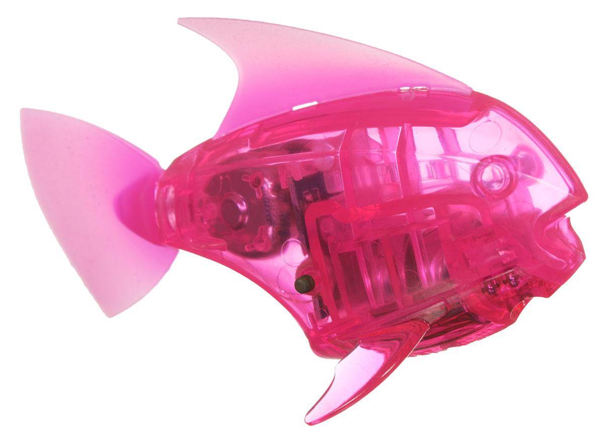 Hexbug Микро-робот AquaBot с аквариумом цвет розовый460-3673Уникальный микро-робот Hexbug Aquabot изготовлен из безопасного пластика и выполнен в виде забавной рыбки. Теперь микро-роботы осваивают и водные глубины! Все что нужно - это прозрачная емкость и простая водопроводная вода. Бросьте рыбку в жидкость, она почувствует комфортную для себя стихию и радостно зашевелит хвостом. Несколько режимов работы робота позволяют ему точно имитировать движение настоящей рыбки, неспешно плавая на поверхности или быстро погружаясь на глубину. Робот Aquabot плавает как настоящая рыба и непредсказуем в направлении движения. Если микро-робот замер, то достаточно просто всколыхнуть аквариум, и он снова поплывет. Вне воды он автоматически выключается. В комплект входит пластиковый аквариум. Для работы игрушки необходимы 2 батарейки типа LR44 (в комплекте).