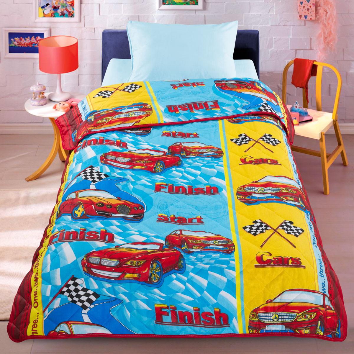 Letto Одеяло детское Раллиrally110Легкое оригинальное покрывало в чехле будет радовать вашего малыша в течение всего года. Сидеть на таком покрывале будет приятно и комфортно - ведь оно выполнено из 100% хлопка. К тому же одеяло можно использовать и как одеяло на детскую кровать. Наполнитель - силиконизированное волокно. Вашему ребенку не будет жарко под таким одеялом, а это значит от не будет раскрываться. Оно подлежит машинной стирке при температуре 30 гр., строго на деликатном режиме.