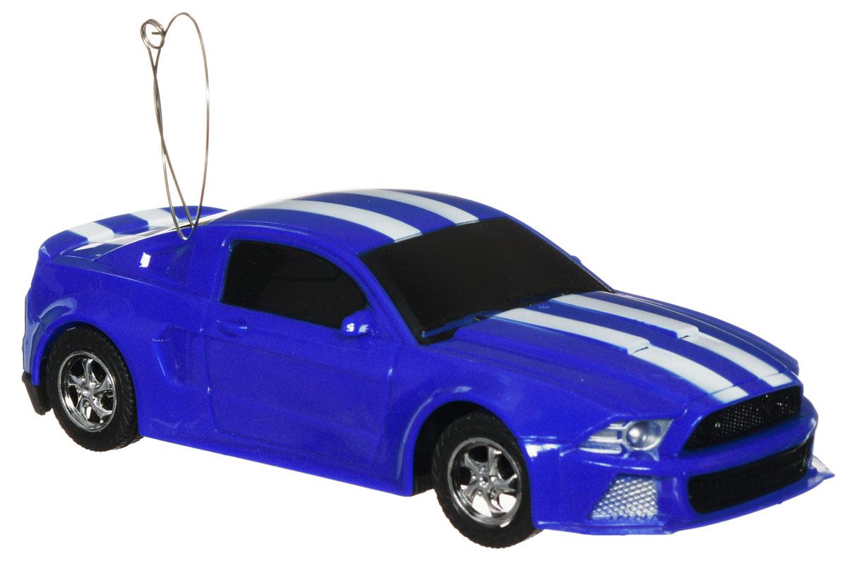 Plastic Toy Машина на радиоуправлении Powered цвет синийB1400118Машина на радиоуправлении Plastic Toy Powered изготовлена из пластика с металлическими элементами. Колеса игрушки прорезинены и обеспечивают плавный ход, машинка не портит напольное покрытие. Юные гонщики оценят эту машину за прекрасные технические характеристики и свободу передвижений. Моделью легко управлять и любая гонка принесет удовольствие. Управление машинкой происходит с помощью удобного пульта. Радиоуправляемые игрушки способствуют развитию координации движений, моторики и ловкости. Ваш ребенок часами будет играть с моделью, придумывая различные истории и устраивая соревнования. Машина работает от 3 батареек типа АА (не входят в комплект). Для работы пульта управления необходимы 2 батарейки типа AA (не входит в комплект).