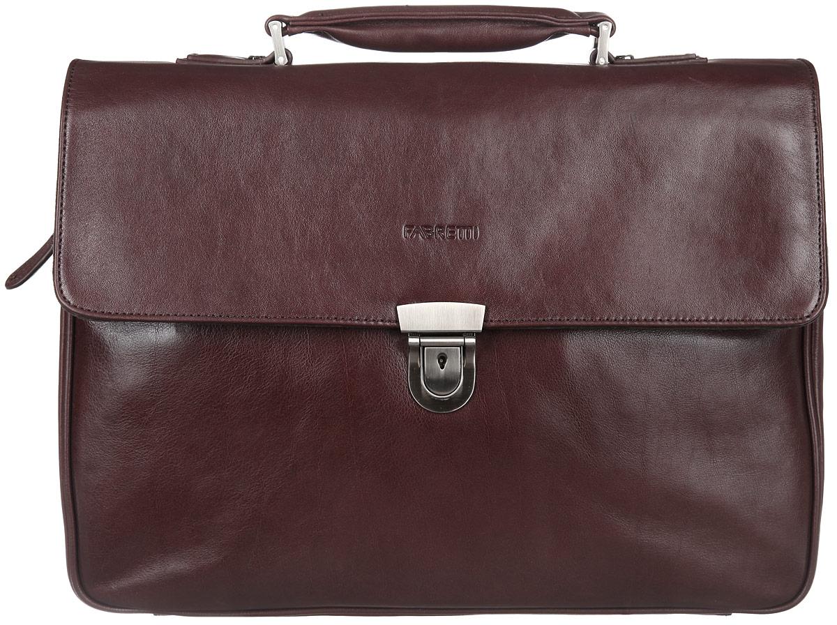 Портфель мужской Fabretti, цвет: темно-коричневый. 6179FAB6179FABСтильный мужской портфель Fabretti выполнен из натуральной кожи. Изделие имеет одно основное отделение, закрывающееся на застежку-молнию. Внутри находится прорезной карман на застежке-молнии, два накладных открытых кармана, два держателя для авторучек и мягкий карман для планшета, закрывающийся на хлястик с застежкой-липучкой. Закрывается изделие на клапан с застежкой-защелкой. Под клапаном расположен накладной открытый карман. Снаружи, на задней стенке находится прорезной карман на застежке-молнии. Сумка оснащена съемным текстильным плечевым ремнем, регулируемым по длине, и удобной ручкой. Также к изделию прилагается фирменный текстильный чехол для хранения. Сдержанность и продуманный дизайн изделия добавят элегантности в образ и подчеркнут ваш безупречный вкус.