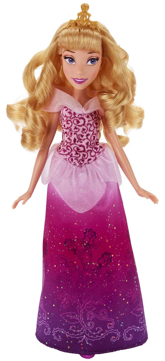Disney Princess Кукла Классическая Принцесса АврораB5290ES2_SolidКукла Disney Princess Аврора поможет вашей малышке окунуться в сказочный мир. Игрушка выполнена в виде главной героини диснеевского мультфильма Спящая красавица. Аврора одета в роскошное платье в присущей ей цветовой гамме с уникальным сверкающим принтом на юбке. Вашей малышке наверняка понравится заплетать и расчесывать длинные светлые волосы Авроры. На голове у куколки красуется корона, на ногах - изящные туфельки. Ручки, ножки и голова куколки подвижны. Ваша малышка с удовольствием будет играть с этой куколкой, проигрывая сюжеты из мультфильма или придумывая различные истории.