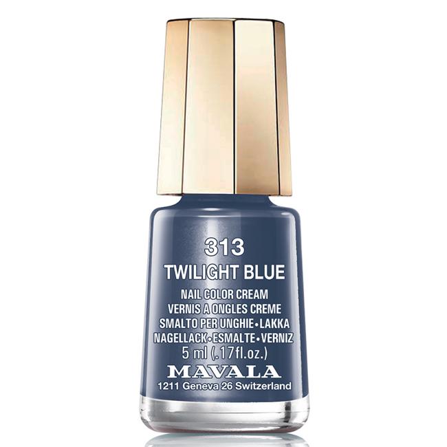 Mavala Лак для ногтей Синие сумерки/Twiligt Blue , Тон 313, 5 мл08-1266Лаки для ногтей Mavala представлены классическими и ультрамодными оттенками. Они пропускают воздух даже через 3-4 слоя, давая возможность ногтям дышать. Специально разработанный состав лаков позволяет им оставаться свежими и насыщенными долгое время. Лаки не содержат толуол, формальдегид, камфору, дибутил фталат, канифоль и добавленный никель.