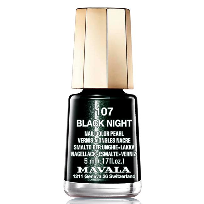 Mavala Лак для ногтей Черная ночь/Black Night , Тон 107, 5 мл08-1450Лаки для ногтей Mavala представлены классическими и ультрамодными оттенками. Они пропускают воздух даже через 3-4 слоя, давая возможность ногтям дышать. Специально разработанный состав лаков позволяет им оставаться свежими и насыщенными долгое время. Лаки не содержат толуол, формальдегид, камфору, дибутил фталат, канифоль и добавленный никель.