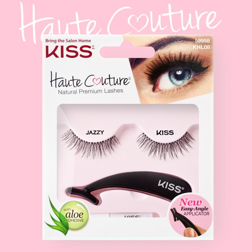 Kiss Haute Couture Накладные ресницы Single Lashes Jazzy KHL08GT12-018Накладные ресницы Kiss Haute Couture Jazzy (KHL08C) делают взгляд открытым, создают эффект «широко распахнутых глаз». Подходят для дневного и вечернего макияжа. Изготовлены вручную из натурального волоса, отличаются великолепным качеством и мягкостью, комфортны для глаз. Изогнутая форма пинцета очень удобна для крепления ресниц. Клей с содержанием алоэ обеспечивает гипоаллергенность. Протестировано и одобрено дерматологами. Можно использовать несколько раз. Снятие ресниц не требует дополнительных средств: просто приложите ватный диск с теплой водой и снимите ресницы. Состав набора: пара накладных ресниц, пинцет, клей.