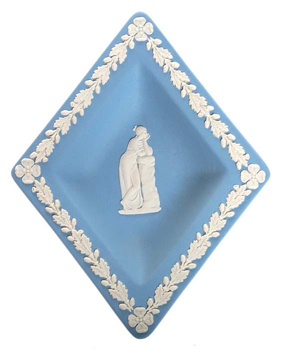 Тарелочка для украшений. Голубой бисквит, рельеф. Wedgwood, Великобритания, 1980-е гг.