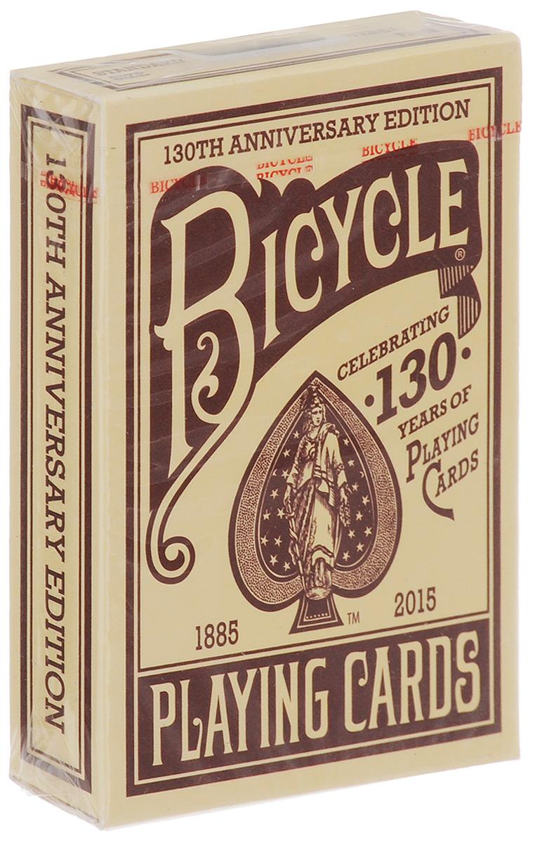 Карты игральные Bicycle. 130th Anniversary Edition, цвет: красный, 54 картыК-575Игральные карты Bicycle. 130th Anniversary Edition стандартного размера выполнены из многослойного картона с пластиковым покрытием и превосходно подойдут как для игры, так и для личной коллекции. Карты Bicycle. 130th Anniversary Edition - это переиздание колоды дизайна 1891 года, выпущенное в честь 130 годовщины бренда. Дизайн Колесо №1 был одним из самых первых рисунков, выпущенных на заводе в 1887 году. То есть в таком виде карты выпускались под брендом Bicycle. В таком виде они оставались до 1907 года, потом три колеса заменили на четыре, чтобы рисунок стал симметричным.