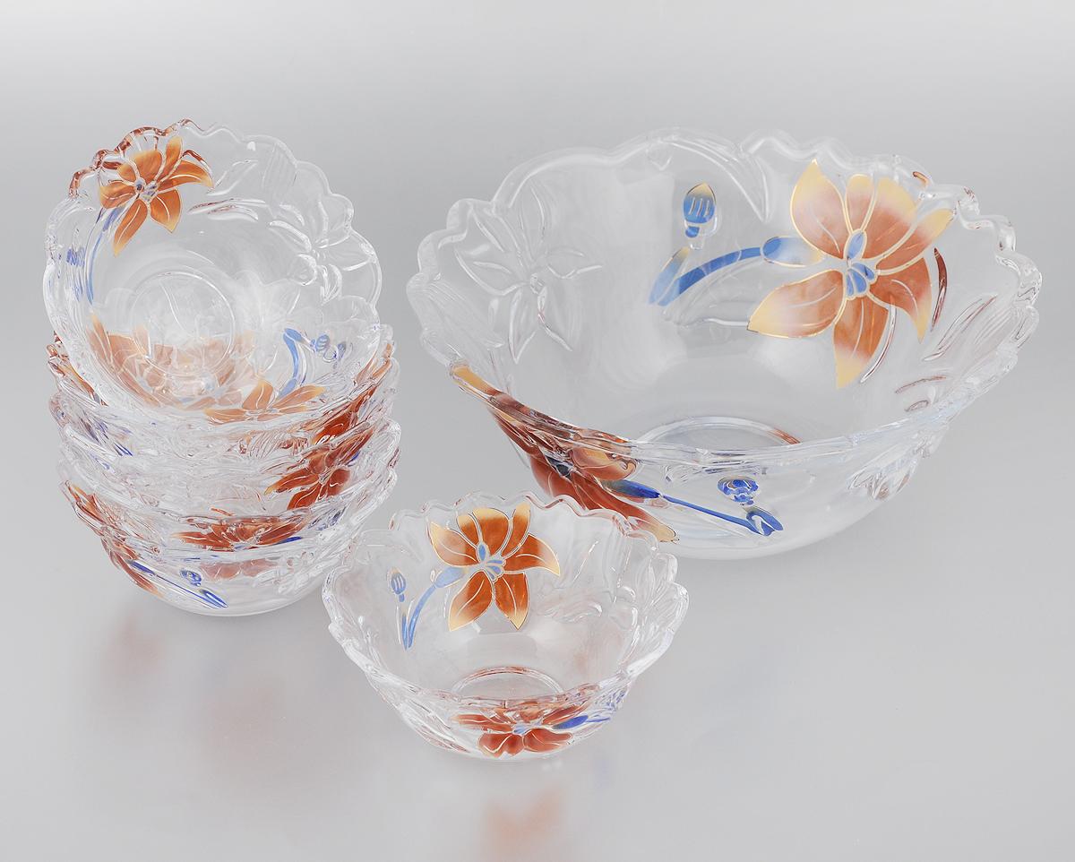 Набор салатников Loraine, 7 предметов22760_оранжевые цветыНабор Loraine состоит из 7 салатников (1 салатник большой и 6 малых). Изделия, изготовленные из высококачественного стекла, сочетают в себе изысканный дизайн с максимальной функциональностью. Они идеально подходят для сервировки стола, подачи закусок, солений и других блюд. Такие салатники прекрасно впишутся в интерьер вашей кухни и станут достойным дополнением к кухонному инвентарю. Нельзя мыть в посудомоечной машине и использовать на открытом огне. Диаметр большого салатника (по верхнему краю): 23 см. Высота большого салатника: 9 см. Диаметр малого салатника (по верхнему краю): 12 см. Высота малого салатника: 5 см.