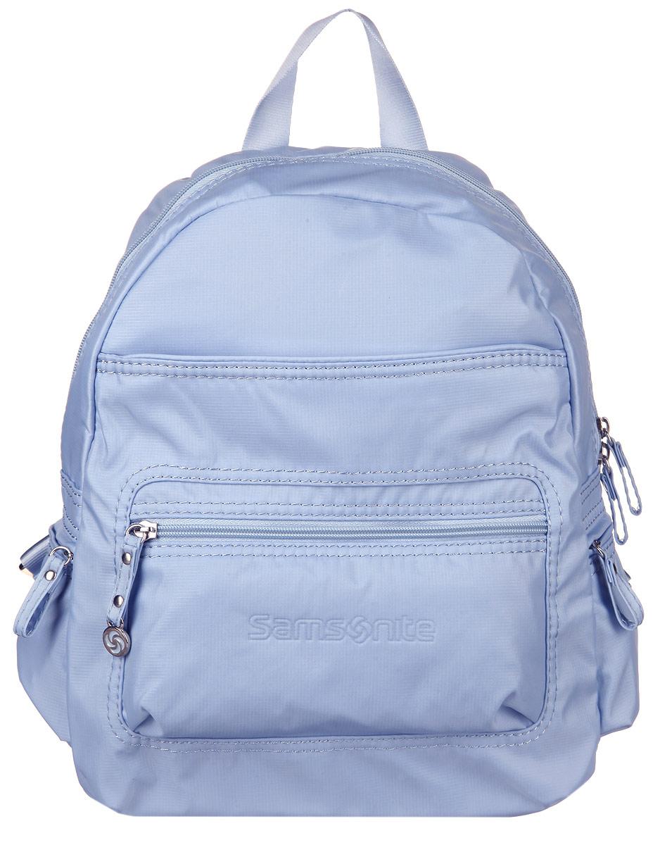 Рюкзак женский Samsonite, цвет: голубой. 5H3-310245H3-31024Стильный женский рюкзак Samsonite выполнен из полиамида, оформлен металлической фурнитурой и символикой бренда. Изделие содержит одно отделение, закрывающееся на застежку-молнию. Внутри рюкзака расположены два накладных кармашка, карабин для ключей и врезной карман на застежке-молнии. На лицевой стороне рюкзака расположены: вместительный накладной карман на застежке-молнии и врезной кармашек на застежке-молнии. По бокам изделия расположены два врезных кармана, каждый из которых закрывается на молнию. Изделие оснащено двумя широкими плечевыми лямками регулируемой длины и петлей для подвешивания. Практичный аксессуар позволит вам завершить образ и быть неотразимой.