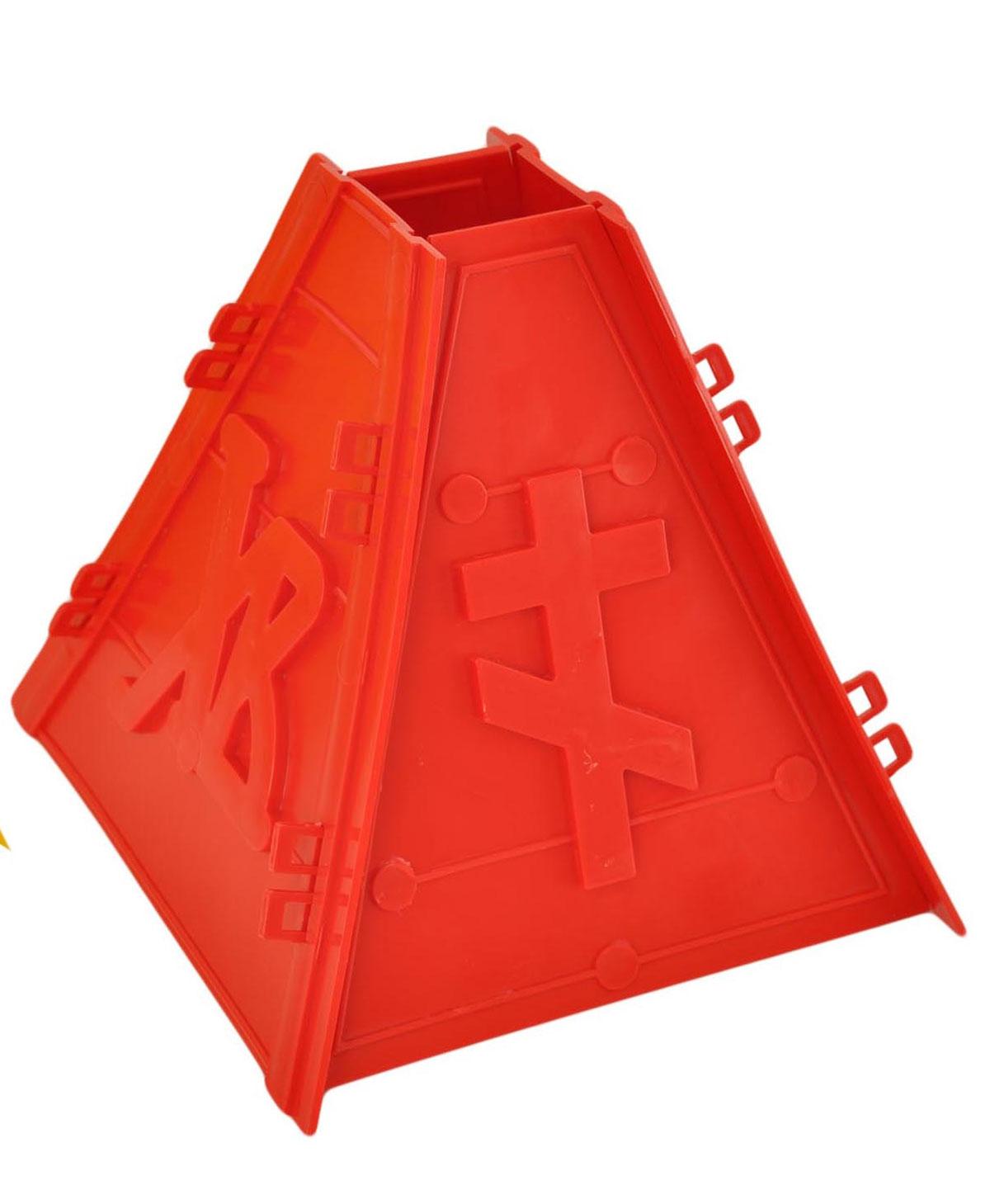 Пасочница Home Queen, цвет: красный, 16,5 х 16,5 х 18 см57290Пасочница Home Queen изготовлена из полипропилена и предназначена для придания формы творожной массе (пасхе) и удаления из нее лишней влаги. Пасочница состоит из 4 стенок. Чтобы ее собрать, необходимо вставить фиксаторы одной стенки в пазы другой. Пасочница Home Queen может стать оригинальным пасхальным подарком для друзей или близких.