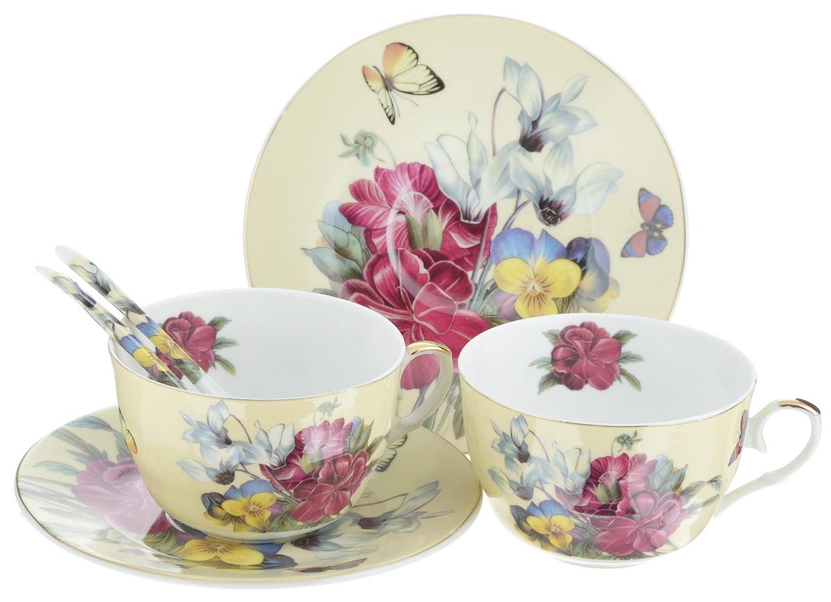Набор чайных пар Elan Gallery Анютины глазки, с ложками, 6 предметов180790Набор чайных пар Elan Gallery Анютины глазки состоит из 2 чашек, 2 блюдец и 2 ложек. Предметы набора выполнены из высококачественной керамики и оформлены изящным изображением цветов. Яркий дизайн, несомненно, придется вам по вкусу. Набор чайных пар Elan Gallery Анютины глазки украсит ваш кухонный стол, а также станет замечательным подарком к любому празднику. Не рекомендуется применять абразивные моющие средства. Не использовать в микроволновой печи. Объем чашки: 250 мл. Диаметр чашки (по верхнему краю): 9,5 см. Диаметр основания чашки: 4 см. Высота чашки: 6,5 см. Диаметр блюдца: 15,5 см. Высота блюдца: 1,5 см. Длина ложки: 12,5 см. Размер рабочей поверхности ложки: 4 х 2,5 см.