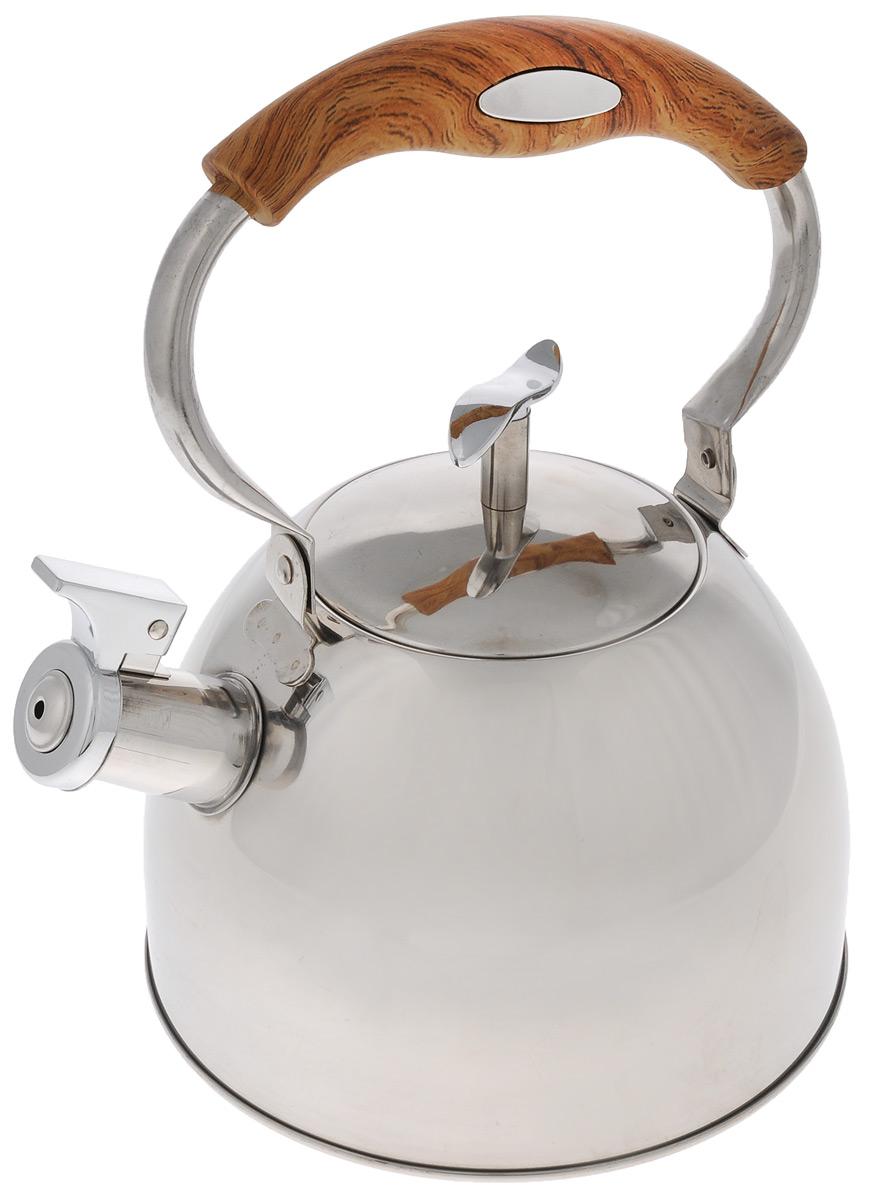 Чайник Mayer & Boch, со свистком, цвет: серебристый, коричневый, 3 л. 41274127_деревянная ручкаЧайник Mayer & Boch выполнен из высококачественной нержавеющей стали с зеркальной полировкой, что делает его гигиеничным и устойчивым к износу при длительном использовании. Нержавеющая сталь не окисляется и не впитывает запахи, напитки всегда ароматные и имеют настоящий вкус. Капсулированное дно с прослойкой из алюминия обеспечивает наилучшее распределение тепла. Носик чайника оснащен насадкой-свистком, что позволит вам контролировать процесс подогрева или кипячения воды. Подвижная ручка изготовлена из нейлона с силиконовым покрытием и декорирована под дерево. Поверхность чайника гладкая, что облегчает уход. Эстетичный и функциональный, с эксклюзивным дизайном, такой чайник будет оригинально смотреться в любом интерьере. Подходит для электрических, газовых, стеклокерамических и галогеновых плит. Не подходит для индукционных плит. Можно мыть в посудомоечной машине. Высота чайника (без учета ручки и крышки): 13 см. Высота чайника (с учетом ручки и...