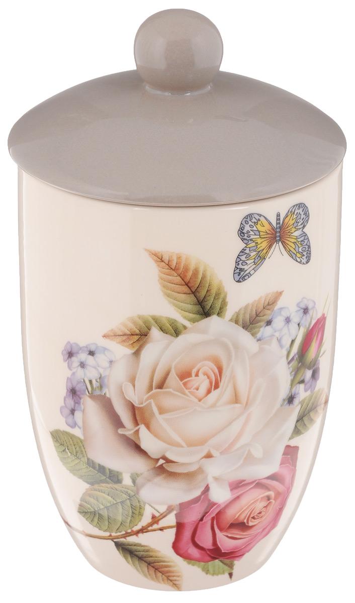 Банка для сыпучих продуктов Loraine Розы и бабочка, 750 мл21691Банка Loraine Розы и бабочка, выполненная из высококачественного доломита и украшенная изображением роз, идеально подойдет для хранения чая или других сыпучих продуктов. Изделие оснащено доломитовой крышкой. Такая банка станет достойным дополнением к вашему кухонному инвентарю. Можно мыть в посудомоечной машине. Можно использовать в микроволновой печи. Объем: 750 мл. Диаметр (по верхнему краю): 10 см. Высота банки (с учетом крышки): 18,5 см. Высота банки (с учетом крышки): 14 см.