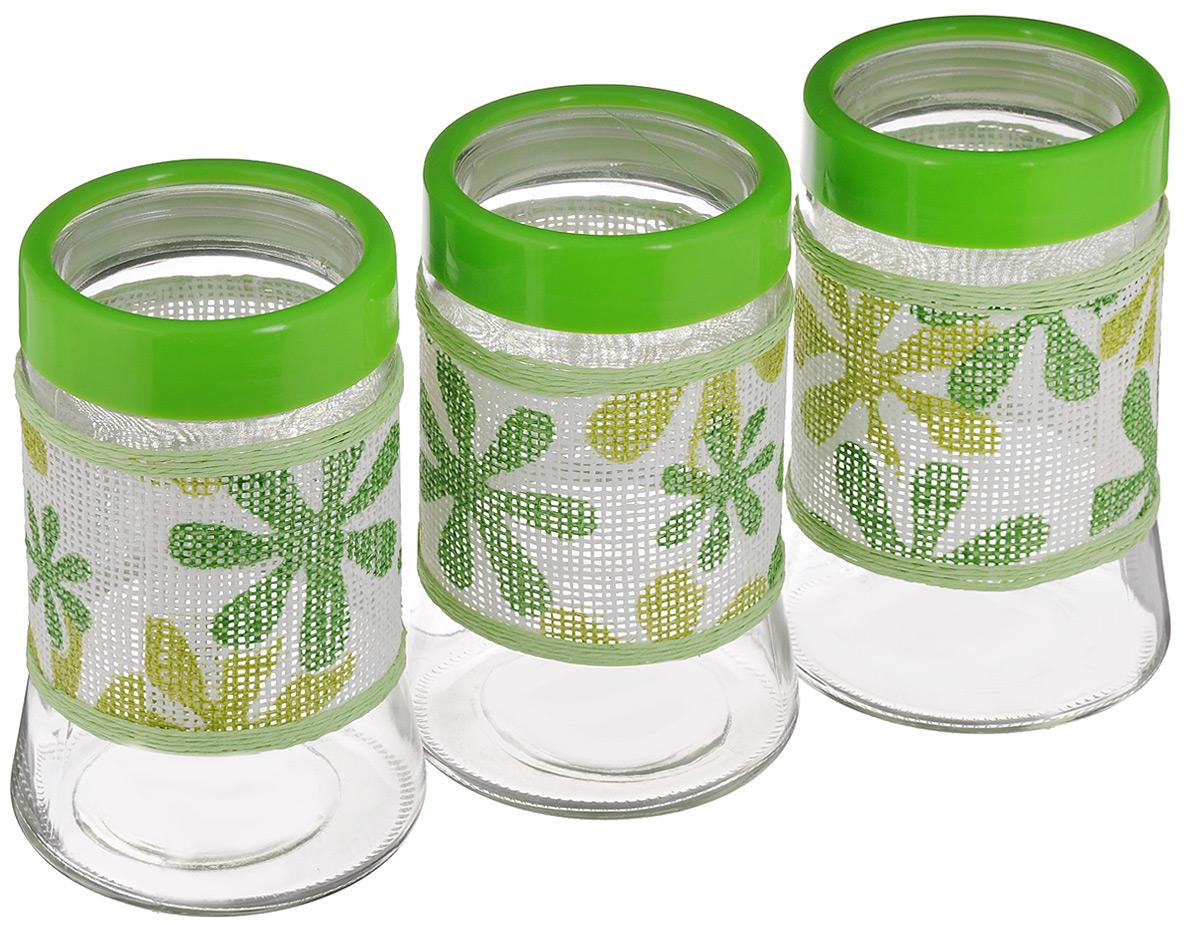 Набор банок для сыпучих продуктов Mayer & Boch, 3 шт. 21616-121616-1Набор Mayer & Boch состоит из трех банок одинакового объема, предназначенных для хранения сыпучих продуктов. Банки выполнены из высококачественного стекла и декорированы оригинальной вставкой, сплетенной из бумаги. Прозрачные стенки позволяют видеть содержимое. Пластиковые крышки плотно и герметично закрываются, что позволяет дольше хранить продукты. Банки прекрасно подходят для круп, орехов, сухофруктов, чая, кофе, сахара и других сыпучих продуктов. Оригинальный необычный дизайн стильно дополнит интерьер кухни. Такой набор станет желанным подарком для любой хозяйки. Размер банок: 11,5 х 11,5 х 18 см.