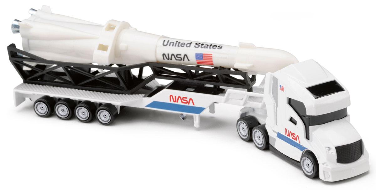Majorette Грузовик NASA205330_белый,стрелаГрузовик с прицепом Majorette NASA привлечет внимание вашего ребенка и не позволит ему скучать. Игрушка представляет собой мощный грузовик с большой ракетой на прицепе. Ваш маленький непоседа с удовольствием будет играть с такой машиной, придумывая различные истории. Порадуйте его таким замечательным подарком!