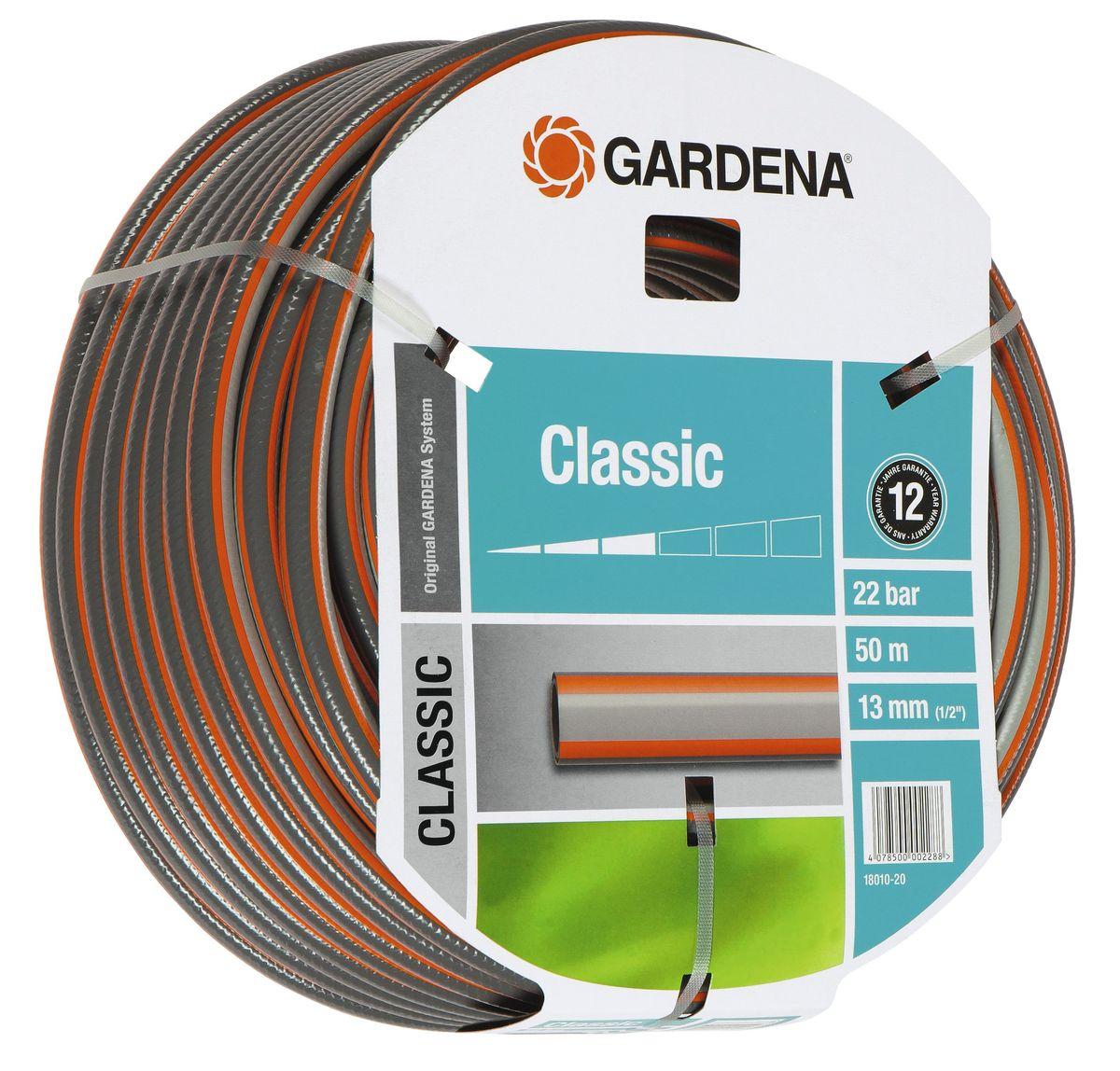Шланг Gardena Classic, 13 мм (1/2) х 50 м18010-20.000.00Шланг Gardena Classic, прекрасно сохраняет свою форму благодаря высококачественному текстильному армированию, отсутствуют фталаты и тяжелые металлы, невосприимчив к УФ-излучению. Шланг не перегибается, не спутывается, не перекручивается, благодаря спиралевидному текстильному армированию, усиленному углеродными волокнами. Шланг Gardena Classic оптимально сочетается с компонентами базовой системы полива. Идеально подходит для умеренной интенсивности использования. Шланг Gardena Classic выполнен из высококачественного ПВХ и выдерживает давление до 22 бар. Толстые стенки шланга и высококачественные материалы обеспечивают длительный срок службы.