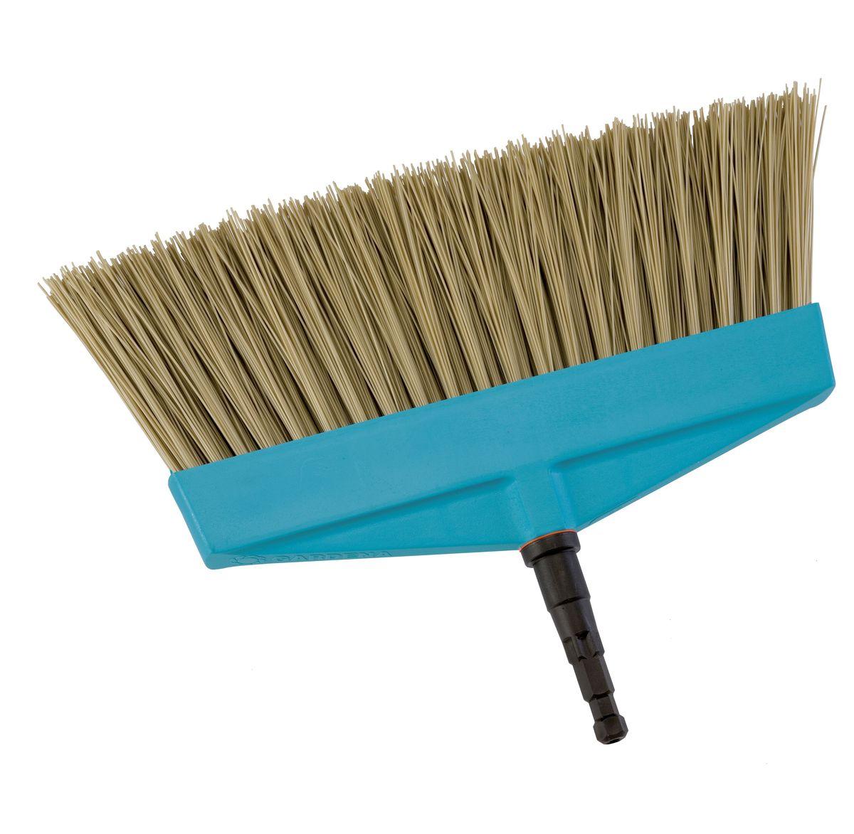 Щетка для террас Gardena03610-20.000.00Для уборки террас и маленьких двориков. Прочная и гибкая полипропиленовая щетина и высококачественный пластиковый корпус. Рабочая ширина: 32 см. Рекомендуемая длина ручки: 130 см.