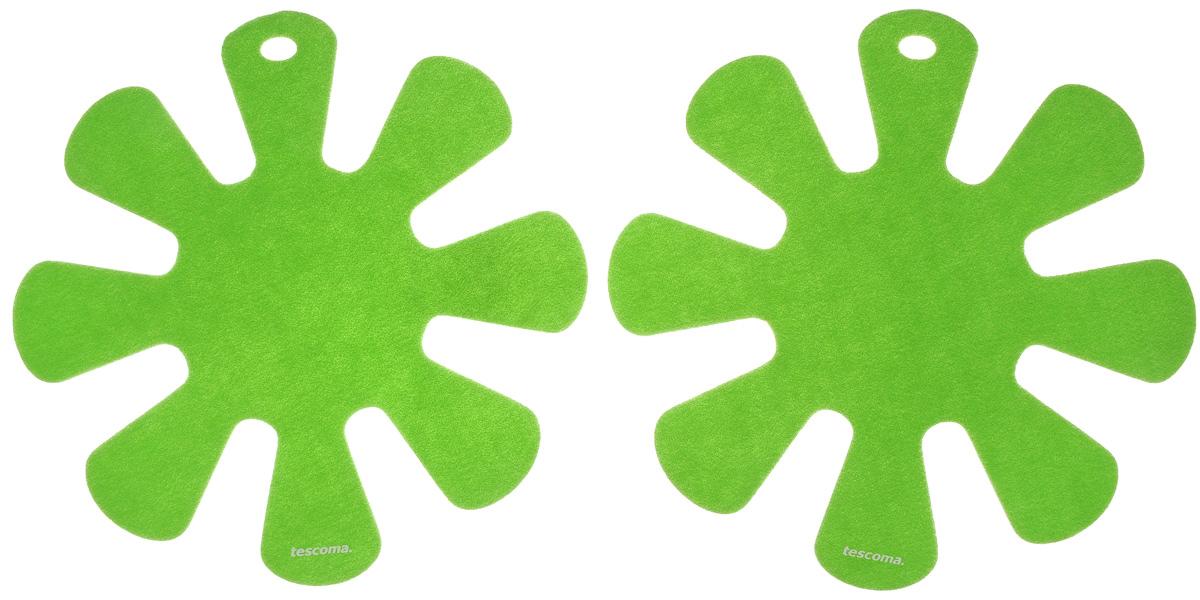 Протектор для хранения посуды Tescoma Presto, цвет: салатовый, 2 шт420883Протектор для хранения посуды Tescoma Presto выполнен из прочной синтетической ткани. Он используется для защиты посуды с антипригарным покрытием при хранении на кухне. Подходит для посуды диаметром от 24 до 32 см. Нельзя использовать для горячей или неочищенной посуды. Не использовать в качестве подставки под горячее. Не использовать в посудомоечной машине. Рекомендуется обычная стирка при 40°С. В комплекте 2 протектора. Диаметр протектора: 38 см.