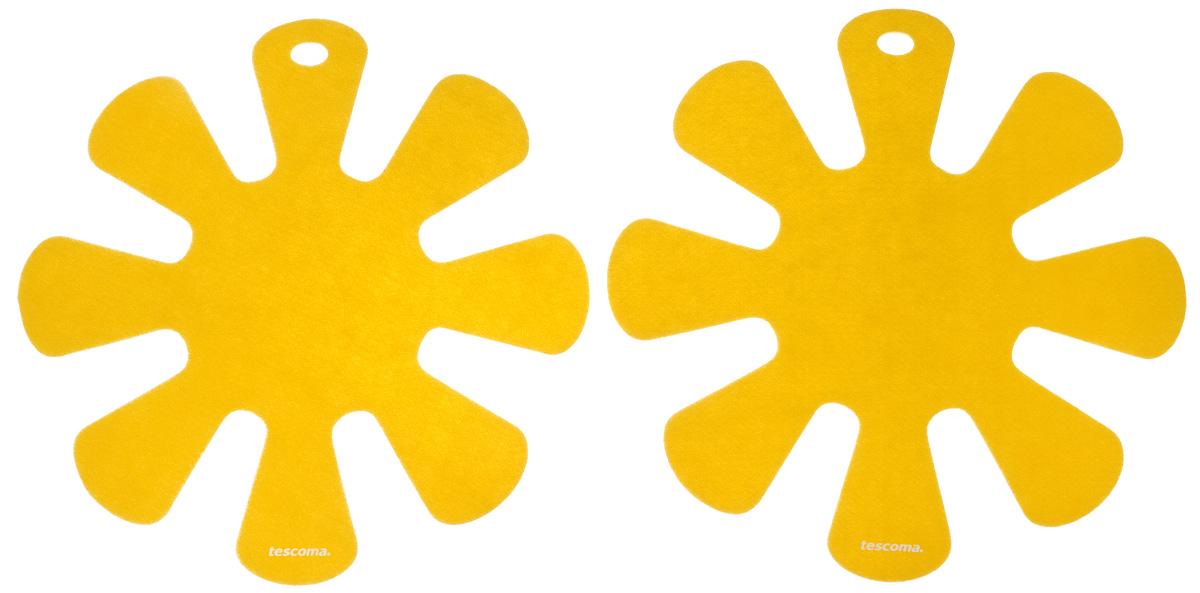Протектор для хранения посуды Tescoma Presto, цвет: желтый, 2 шт420883_желтыйПротектор для хранения посуды Tescoma Presto выполнен из прочной синтетической ткани. Он используется для защиты посуды с антипригарным покрытием при хранении на кухне. Подходит для посуды диаметром от 24 до 32 см. Нельзя использовать для горячей или неочищенной посуды. Не использовать в качестве подставки под горячее. Не использовать в посудомоечной машине. Рекомендуется обычная стирка при 40°С. В комплекте 2 протектора. Диаметр протектора: 38 см.