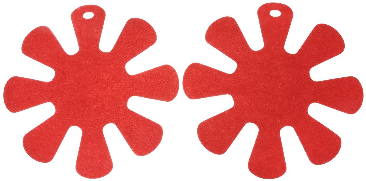Протектор для хранения посуды Tescoma Presto, цвет: красный, 2 шт420883_красныйПротектор для хранения посуды Tescoma Presto выполнен из прочной синтетической ткани. Он используется для защиты посуды с антипригарным покрытием при хранении на кухне. Подходит для посуды диаметром от 24 до 32 см. Нельзя использовать для горячей или неочищенной посуды. Не использовать в качестве подставки под горячее. Не использовать в посудомоечной машине. Рекомендуется обычная стирка при 40°С. В комплекте 2 протектора. Диаметр протектора: 38 см.