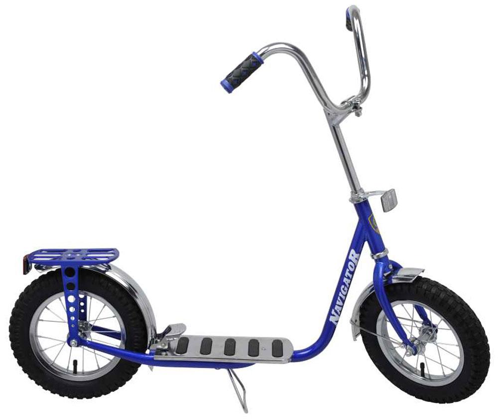 Navigator Самокат двухколесный 12 дюймов цвет синийВН12030Самокат с пневматическими (надувными) колесами обеспечивает комфортное передвижение по любой поверхности. Снабжен ножным тормозом, подножкой, багажником, колеса со стальными ободами.