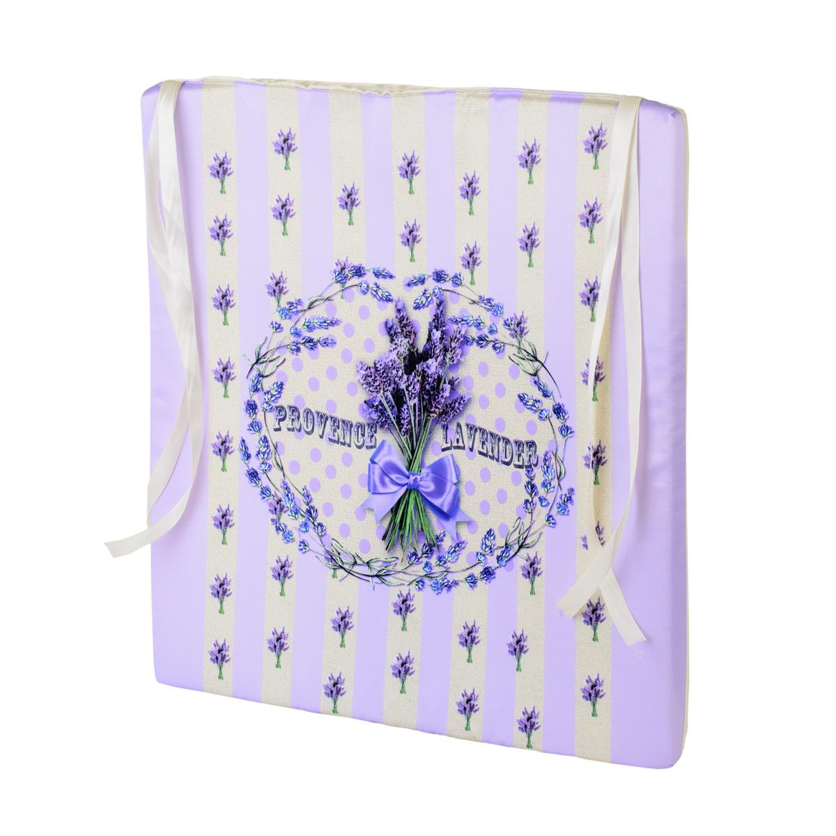 Подушка на стул GiftnHome Лаванда, 40 х 40 смSEAT-40 LavenderПодушка на стул GiftnHome Лаванда не только красиво дополнит интерьер кухни, но и обеспечит комфорт при сидении. Чехол выполнен из атласа (искусственный шелк) и оформлен изображением лаванды. В качестве наполнителя используется мягкий поролон. Изделие имеет 2 завязки для крепления на табурет или стул. Интерьерные подушки с модными принтами внесут яркие краски и актуальный стиль в интерьер вашего дома, дачи, офиса или студии. Правильно сидеть - значит сохранить здоровье на долгие годы. Жесткие сидения подвергают наше здоровье опасности. Подушка с мягким наполнителем поможет предотвратить большинство нежелательных последствий сидячего образа жизни.