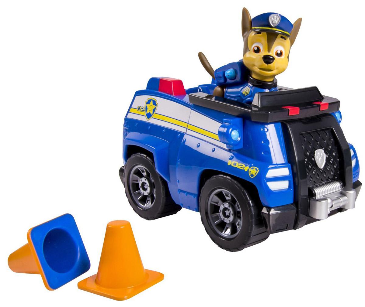 Paw Patrol Игровой набор Машинка спасателя и щенок Chase16601 ChaseИгровой набор Paw Patrol Машинка спасателя и щенок Chase станет отличным подарком маленьким поклонникам знаменитого мультсериала. В набор входит фигурка Чейза - это щенок породы немецкая овчарка, выполняющий в отряде функции полицейского. Чейз ездит на синей полицейской машине. Фигурку собачки можно поместить в кабину машины и катать. У собачки подвижные лапы и голова. Ваш малыш будет часами играть с этим набором, придумывая разные истории. Сделайте ему такой замечательный подарок! Щенячий патруль - канадский анимационный мультфильм, созданный Кит Чэпман. Первая серия мультфильма была показана в августе 2013 года. Игровой набор способствует развитию ребенка и надолго займет вашего малыша интересной игрой.