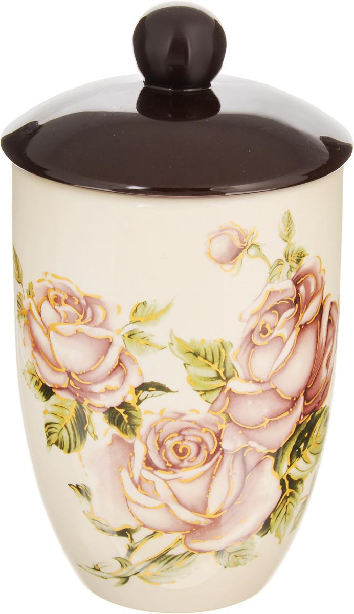 Банка для сыпучих продуктов Loraine Розы, 750 мл21671Банка для сыпучих продуктов Loraine Розы изготовлена из доломита высокого качества и оформлена ярким рисунком цветов. Гладкая и ровная поверхность обеспечивает легкую очистку. Банка прекрасно подойдет для хранения различных сыпучих продуктов: специй, чая, кофе, сахара, круп и многого другого. Крышка плотно прилегает к стенкам емкости. Можно использовать в микроволновой печи, в холодильнике и посудомоечной машине. Диаметр банки (по верхнему краю): 10 см. Диаметр основания банки: 6,5 см. Высота банки (без учета крышки): 14 см.