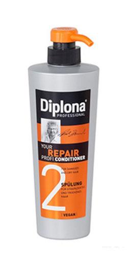 Кондиционер Diplona Professional Your Repair Profi, для сухих и поврежденных волос, 600 мл95173Кондиционер Diplona Professional Your Repair Profi - профессиональная помощь для сухих и поврежденных волос. Основные компоненты: Протеины пшеницы - увлажняют кожу, способствуют восстановлению блеска и эластичности волос, обеспечивают защиту и питание сухих волос. Пантенол - помогает восстановить поврежденные волосяные луковицы и секущиеся концы волос. Витамин В3 - благодаря своему сосудорасширяющему действию позволяет облегчить проникновение активных веществ, что благоприятно влияет на рост волос. Экстракт черной смородины - богат витаминами А, В и С, которые питают и защищают волосы от самых корней. Витамин Е - восстановляет первоначальную структуру волос, укрепляет корневые луковицы, придает волосам блеск и объем. Характеристики: Объем: 600 мл. Производитель: Германия. Артикул: 95173. Diplona Professional существует на немецком рынке более 40 лет, была разработана совместно с лучшим стилистом, неоднократным...