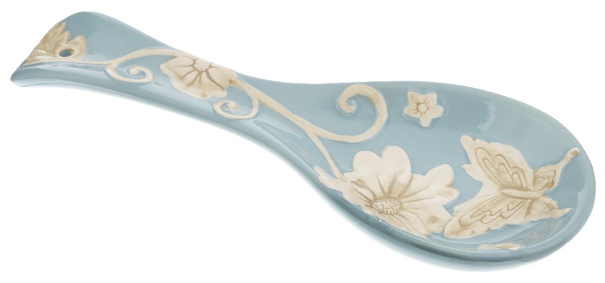 Подставка под ложку Loraine Розы, цвет: голубой, молочный, длина 24,7 см22448Подставка под ложку Loraine Розы, изготовленная из высококачественного доломита, сочетает в себе изысканный дизайн с максимальной функциональностью. Подставка под ложку - очень удобный и полезный аксессуар на вашей кухне. Она поможет поддерживать чистоту на столе во время приготовления пищи, теперь есть куда положить ложку, которой вы помешиваете блюда. Подставка под ложку украсит кухонный стол, а также станет замечательным подарком для ваших друзей и близких. Можно использовать в микроволновой печи и мыть в посудомоечной машине.
