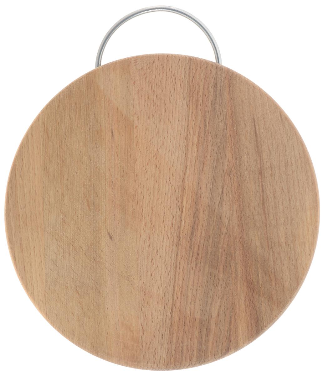 Доска разделочная Хозяюшка, с ручкой, диаметр 24 см03-3Разделочная доска Хозяюшка изготовлена из бука. Бук наряду с дубом и тиком относится к ценным твердолиственным породам элитной группы категории А, класса люкс. По структуре древесины бук считается менее рыхлым, чем дуб, и более гибким, чем тик, при этом не уступает по прочности этим двум породам, а по красоте даже превосходит их. Бук отличают, прежде всего, уникальная текстура и естественный белый с желтовато-красным оттенком, со временем переходящим в розовато-коричневый, цвет древесины. Бук прекрасно поддается шлифовке и полировке. Бук боится влаги, но, как в случае со всеми без исключения досками из древесины, вопрос влагостойкости решается пропиткой дерева специальным минеральным или льняным маслом. Масло защищает доску от коробления, рассыхания и растрескивания. Именно поэтому все доски Хозяюшка обработаны льняным маслом и упакованы в пленку. Разделочная доска имеет форму круга, оснащена металлической ручкой. Нельзя мыть в посудомоечной машине. Для...