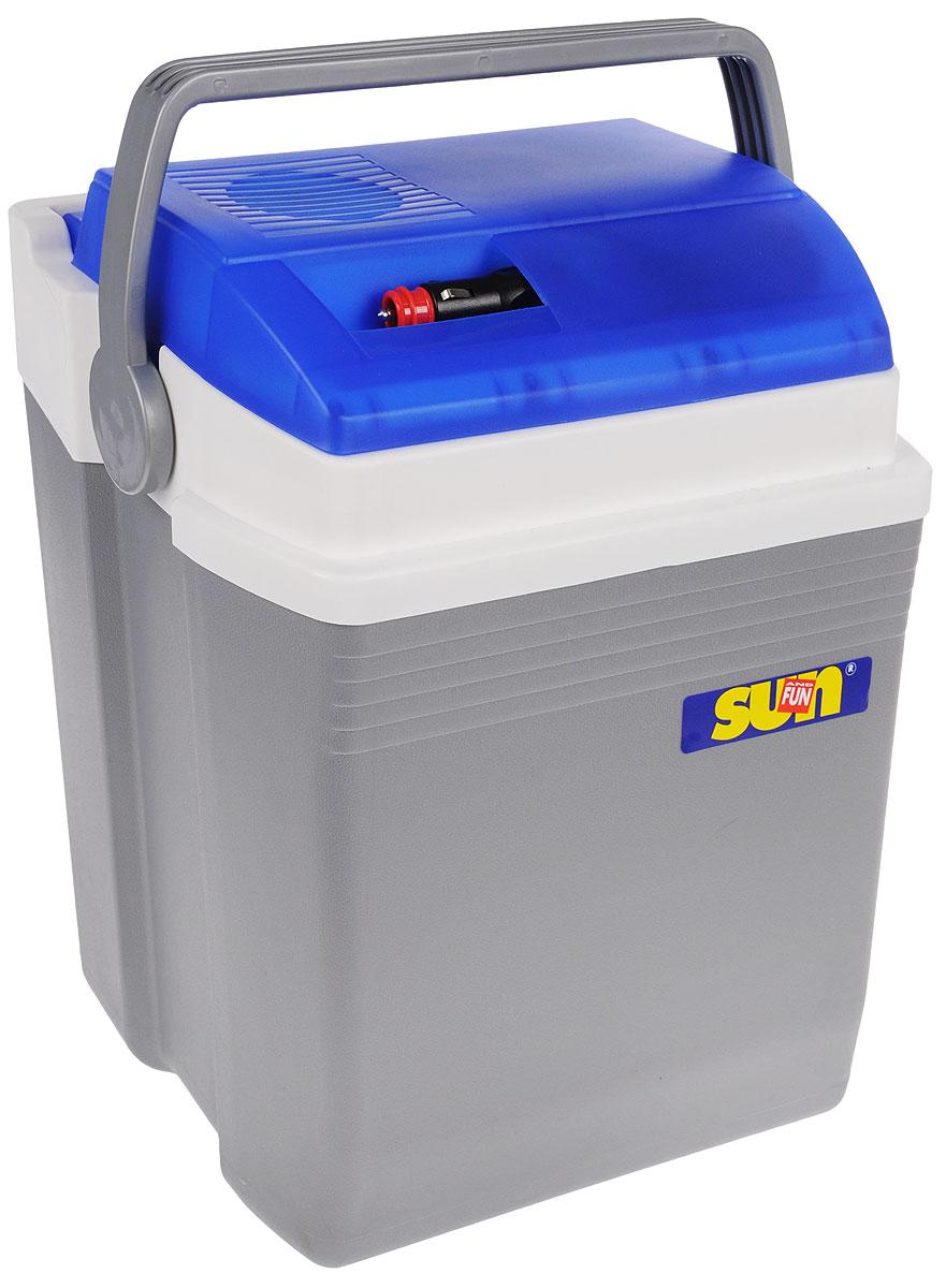 Термоэлектрический контейнер охлаждения Ezetil E 21 Sun&Fun 12V, цвет: серый, голубой, 21 л077505_10775041Термоэлектрический контейнер охлаждения Ezetil предназначен для использования в салоне автомобиля в качестве портативного холодильника. Контейнер выполнен из высококачественного пластика, корпус гладкий, эргономичного дизайна, ударопрочный, легко моется. Охлаждение камеры холодильника происходит при прохождении постоянного электрического тока через термоэлементы, состоящие из набора термоэлектрических полупроводниковых пластин. Одна часть пластин находится внутри камеры холодильника, а другая снаружи. В режиме охлаждения внутренние части пластин охлаждаются, а наружные нагреваются. Преимуществом термоэлектрического холодильника является работоспособность при любых наклонах транспортного средства. Перед поездкой продукты и напитки рекомендуется предварительно охладить в бытовом холодильнике, либо охладить камеру термоэлектрического холодильника с помощью аккумуляторов холода. Температура внутри камеры Вашего автомобильного ...