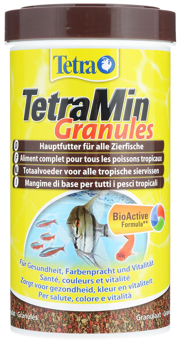 Корм Tetra TetraMin. Granules для всех видов тропических рыб, гранулы, гранулы, 500 мл (158 г)240568Корм Tetra TetraMin. Granules - гранулированный корм для всех видов тропических и декоративных рыбок. Небольшие гранулы корма быстро размягчаются в воде, медленно опускаются на дно аквариума, что гарантирует полноценное и разнообразное питание. Корм содержит такие жизненно важные вещества, как протеины, витамины, лецитин, а также добавку, обеспечивающую рыбкам насыщенность окраса. За счет этих элементов достигается здоровый рост, богатство красок и жизненная сила. Корм имеет оптимальную степень усвоения всеми видами рыб. Запатентованная БиоАктив-формула поддерживает работоспособность иммунной системы, обеспечивая высокую продолжительность жизни. Кормить несколько раз в день маленькими порциями. Состав: рыба и побочные рыбные продукты, зерновые культуры, дрожжи, экстракты растительного белка, растительные продукты, овощи, моллюски и раки, водоросли, масла и жиры, минеральные вещества. Аналитические компоненты: сырой белок 46%,...